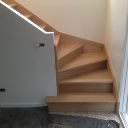 Stair, winder with D tread